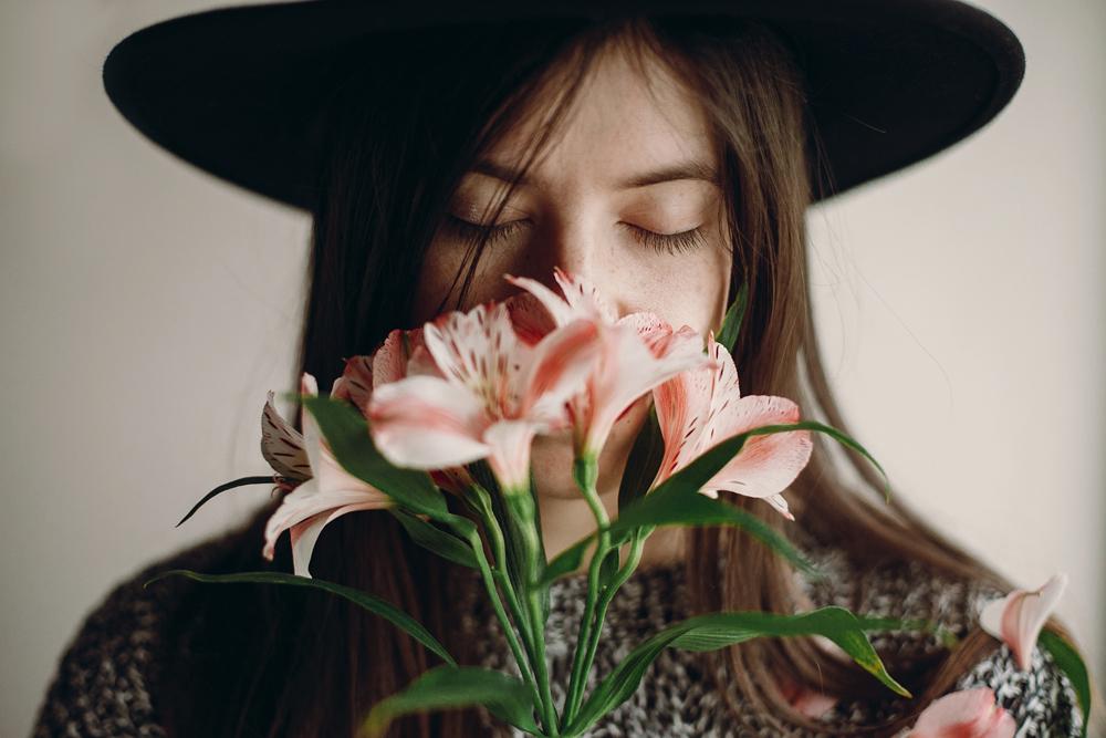 21 วิธีในการถ่ายภาพตัวเอง ให้ภาพดูน่าสนุก ไม่จำเจ และสื่อความเป็นตัวตนในลักษณะต่าง ๆ