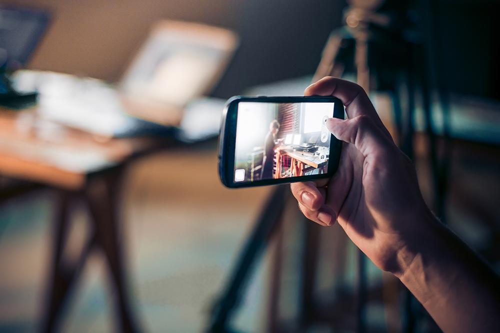 8 เทคนิคการถ่ายภาพบุคคลให้สวยโดยใช้มือถือ