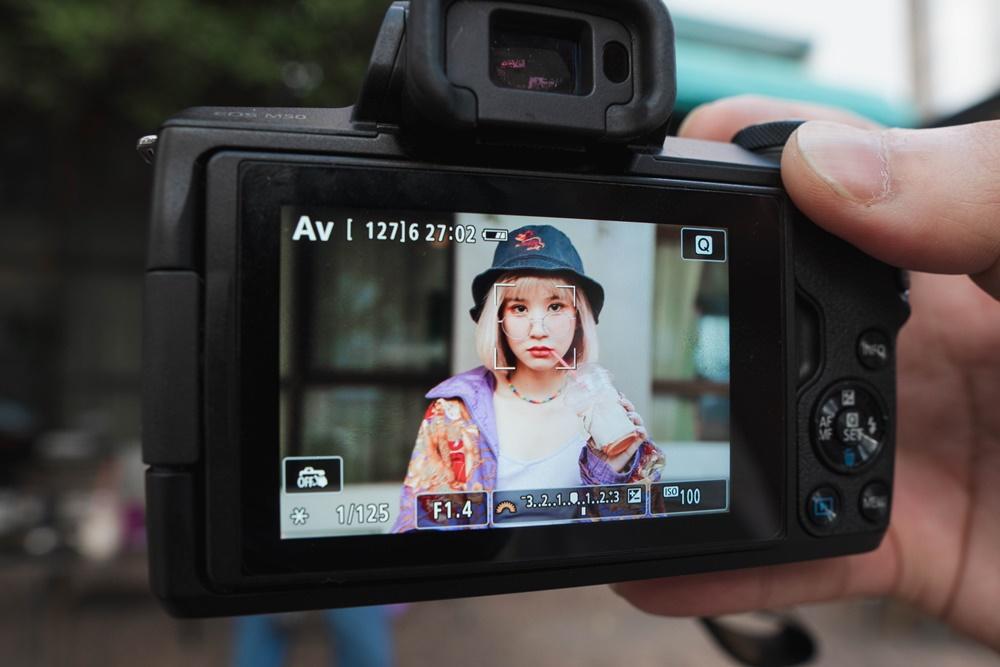 รีวิว SIGMA 56mm F1.4 DC DN Contemporary สำหรับกล้อง Canon EF-M เลนส์ระยะ Portrait ถ่ายภาพสวย ละลายหลังนุ่มนวล เหมาะกับการถ่ายภาพบุคคล