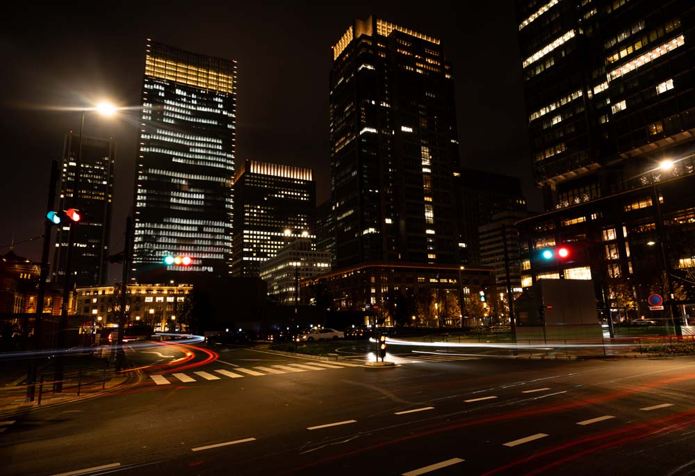 5 วิธีถ่ายภาพในเมืองให้สวยเเละเล่าเรื่องชัดขึ้น การถ่ายภาพในตัวเมืองไม่ได้เป็นการถ่ายภาพ เพื่อให้เห็นเพียงสถาปัตยกรรมเท่านั้น เเต่เป็นการบ่งบอก เเละเเสดงถึงวิถีชีวิตของคนในชุมชนเมืองด้วย การถ่ายภาพผู้คน ถนน ตึกสูง ก็ต้องให้เเสดงถึงความมีชีวิตของภาพนั้นด้วยจึงจะสามารถเล่าเรื่องราวจากภาพได้อย่างสมบูรณ์มากยิ่งขึ้น